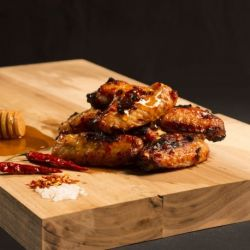 Chicken wings on honey and chilli - Adventure Menu
